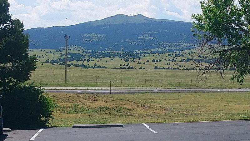 Click image for larger version  Name:6-2019 111 Sierra Grande extinct Volcano largest in NM.jpg Views:6 Size:84.0 KB ID:246198