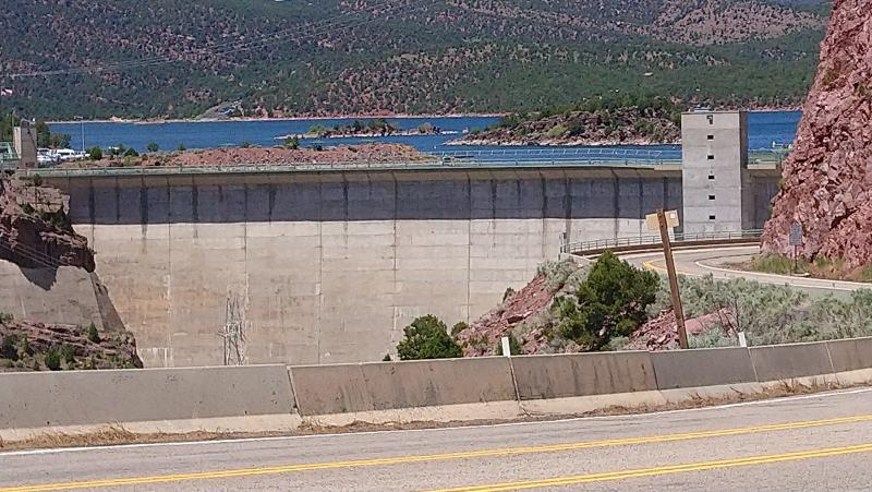 Click image for larger version  Name:6-2019 82 Flaming Gorge Dam Ut.jpg Views:11 Size:89.5 KB ID:246122