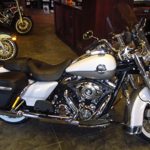 Road King Classic 2009 White pearl